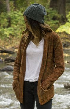 Raglan cardigan knitting pattern by Melissa Schaschwary - download at LoveKnitting