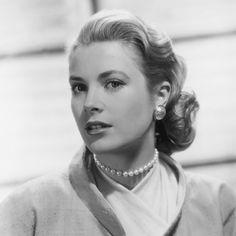 Gracia (Grace) Patricia Kelly (1929. november 12. – 1982. szeptember 14.) - Oscar-díjas amerikai színésznő.  III. Rainer monacói uralkodó herceg felesége. Grácia hercegné néven ő volt a jelenlegi uralkodó, II. Albert monacói herceg édesanyja.