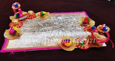 Traditional Wooden Trays In White Colour With Golden Foil Contact us : 9871111388 (call & whats app) Le Basket, Hamper Basket, Gift Baskets, Wooden Platters, Creative Art, Wedding Designs, App, Traditional, Colour
