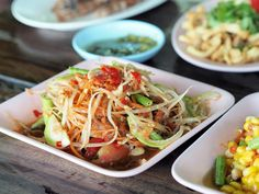 From the popular som tum Thai papaya salad to the more adventurous dishes made with tadpoles, ant larvae and fresh blood, northeastern Thailand is definitely the. Papaya Salat, Meat Salad, Superfood Recipes, Thai Dishes, Best Street Food, Food Stall, No Cook Meals, Food For Thought, The Best