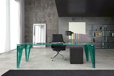 Glänzende Oberflächen grüne Metalbeine Glas
