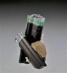 Minerals And Gemstones, Crystals Minerals, Rocks And Minerals, Stones And Crystals, Gem Stones, Geode Jewelry, Tourmaline Jewelry, Tourmaline Gemstone, Natural Crystals