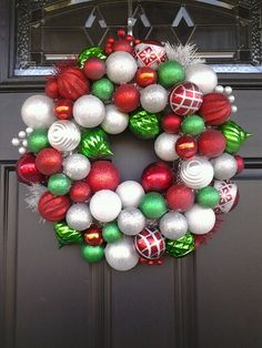 Diy wreath for christmas. Making this for sure!!!!