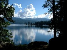 Shaver Lake, CA : Calm waters of late September - There are  many great campgrounds in this area.
