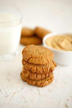 Ciasteczka owsiane z masłem orzechowym bez cukru | Na pół słodko