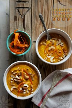 Creamy Carrot Cashew Ginger Soup: Not only is this soup super healthy (and vegan) but it tastes amazing! Carrot Cashew Ginger Soup is a fab go-to meal for busy nights & the best part is you'll likely have some left over for lunch too.