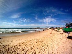 Manhã na Praia da Ferrugem, Garopaba, em Santa Catarina, Brasil.  Fotografia: Renato Rabello.