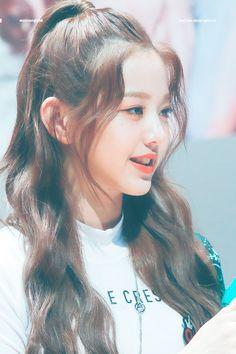 181109 Sangam S-Flex fan signing Kpop Girl Groups, Kpop Girls, Korean Girl, Asian Girl, Kpop Hair, Beautiful Young Lady, Woo Young, Uzzlang Girl, Japanese Girl Group