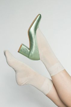 Hansel from Basel - Ivory Trouser Crew + Maryam Nassir Zadeh Mint Metallic Maryam Pump Princess Aesthetic, Disney Aesthetic, Character Aesthetic, Modern Princess, Sailor Jupiter, Sailor Moon, Disney Fairies, Tinkerbell, Mint Aesthetic