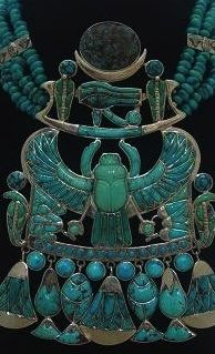 Egyptians know how to make a necklace