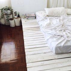 Light tones bed on floor