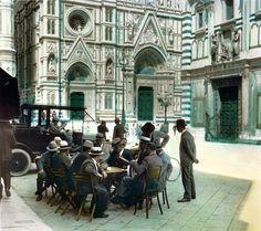 Piazza del Duomo a Firenze, 1924 Burton Holmes Vintage Photo Album, Vintage Photos, Portland, Beyond The Sea, Art Corner, Vintage Italy, Urban Life, Toscana, Florence Italy