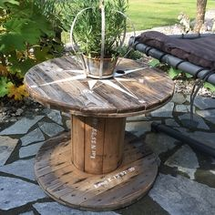 Diy Cable Spool Table, Wood Spool Tables, Wooden Cable Reel, Wooden Cable Spools, Diy Furniture Renovation, Deck Decorating, Diy Chair, Homemade, Crafty