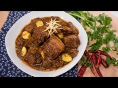 Gaeng Hung Lay - Northern Thai Pork Belly Curry - Check out his delicious recipe & easy video tutorial for a classic Asian dish! Curry Recipes, Thai Recipes, Pork Recipes, Asian Recipes, Cooking Recipes, Recipies, Asia Food, Laos Food, Curry Dishes