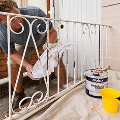 How to repaint a wrought-iron fence - Yahoo!7