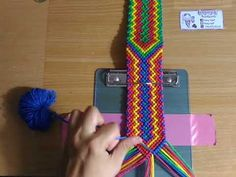 Weaving Art, Weaving Patterns, Loom Weaving, Hand Weaving, Macrame Art, Macrame Knots, Crochet Mandala Pattern, Crochet Patterns, Macrame Tutorial
