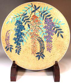Fujii Kinsai Arita Japan - Somenishiki Golden Wisteria Ornamental plate 39.50 cm Japanese Ceramics, Luxury Gifts, Wisteria, Fuji, Japanese Art, Decorative Plates, Chinese, Carving, Pottery