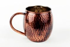 Alchemade Express your personal style with this 16 oz. Copper Moscow Mule Mug. The Moscow Mule mugs are hand-crafted and each is unique! Fill the mugs with ice and add 2 oz vodka, 6 oz ginger beer, ½ oz fresh lime juice, garnish with lime. Copper Moscow Mule Mugs, Copper Mugs, Shot Glass Set, Wine Glass Set, Stainless Steel Dishwasher, Old Fashioned Glass, Mugs For Sale, Drinking Glass, Mugs Set