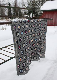 Beautiful blanket - This definitely has renewed my interest in crochet