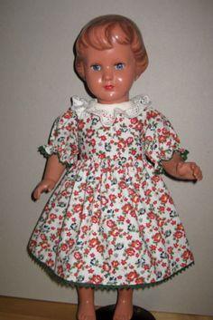 Puppenkleid-Kleid-mit-Hose-fuer-Schildkroetpuppen-Puppen-ca-40-cm