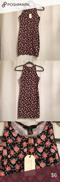 Floral Bodycon Dress NWT Forever 21 Floral Bodycon Dress! Fits true to size, snug fitting, short cut, never worn, super cute-just not my style! Forever 21 Dresses Mini
