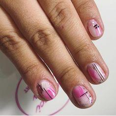 Amados sean los Set pink . Quedan turnos para esta semana !!! #uñas #nails #manicura #manicure #nailart #uñasdegel #uñasdecoradas #uñasacrilicas #beauty #nailsart #belleza #barcelona #gelnails #instanails #españa #acrylicnails #esmaltepermanente #spain #nailsalon #estetica #semipermanente #makeup #moda #nail #uñasbonitas #nailartist #esmaltadopermanente #lovenails #beluccinails #sebelucci Nailart, Barcelona, Pink, Hairstyle, Beauty, Enamels, Cute Nails, Gel Nails, Nails