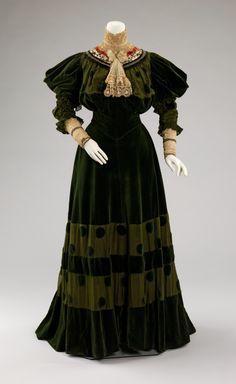 DressJeanne Hallée, 1894-1896The Metropolitan Museum of Art