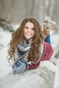 Plaid scarf & mittens are perfect for winter senior photos Snow Senior Pictures, Tennis Senior Pictures, Outdoor Senior Pictures, Unique Senior Pictures, Country Senior Pictures, Photography Senior Pictures, Senior Photos Girls, Senior Girl Poses, Senior Pics