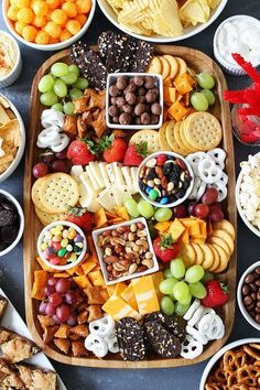 Healthy Snacks Sweet and Salty Snack Board-the perfect party food for easy entertaining. - Make a Sweet and Salty Snack Board for your party! This spread is perfect for easy entertaining. Party Food Platters, Snack Platter, Cheese Platters, Platter Ideas, Snack Trays, Cheese Table, Dessert Platter, Food Buffet, Brunch Buffet