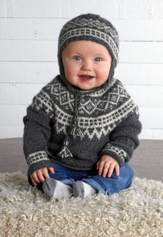 Baby Sweater Patterns, Baby Knitting Patterns, Knitting For Kids, Knitting Projects, Baby Barn, Knit Crochet, Crochet Hats, Pull Bebe, Sewing Baby Clothes