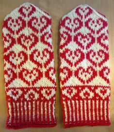 Lumoava Liila: Sydänlapaset / Heart Mittens Knit Mittens, Knitting Socks, Double Knitting Patterns, Knitting Projects, Eminem, Christmas Sweaters, Free Pattern, Knit Crochet, Autumn Fashion