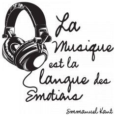 La musique est importante pour une vie saine parceuque c'est une facon qu'on peuvent laisser tous nos emotions dans une place. C'est importante pour nos vies parceque ca nous donnent de l'energie et nous inspire des fois a faire les choses tres impressionibles. Positives ou meme negatives..