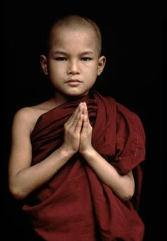 Children, Novice Monk Mandalay, Burma/Myanmar photo by Steve McCurry We Are The World, People Around The World, Beautiful Children, Beautiful People, Steve Mccurry Photos, Little Buddha, Buddha Buddhism, Buddhist Monk, Portraits