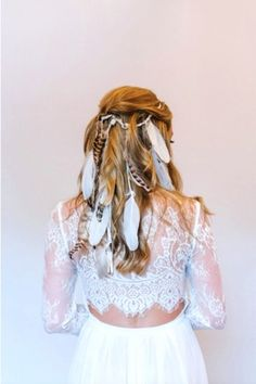 We can't think of a cooler alternative to a veil than this. Feather headpiece: ElliAnya #refinery29 http://www.refinery29.com/lover-ly/92#slide-6