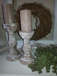 Glazen kandelaars bewerkt met muurvuller en kalkverf