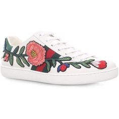 Gucci New Ace Flower Sneakers (810 CAD) ❤ liked on Polyvore featuring shoes, sneakers, low profile sneakers, gucci trainers, floral sneakers, striped sneakers and floral-print shoes