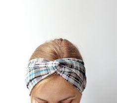 bandeau , headband , jersey blanc , noir vert par EvergreenGarden sur Etsy https://www.etsy.com/fr/listing/187935720/bandeau-headband-jersey-blanc-noir-vert