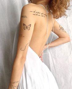 Classy Tattoos, Dainty Tattoos, Feminine Tattoos, Pretty Tattoos, Beautiful Tattoos, Small Tattoos On Arm, Delicate Tattoos For Women, Unique Small Tattoo, Hidden Tattoos