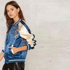 Flower embroidered baseball jacket for women blue color block jacket coat Cool Bomber Jackets, Denim Bomber Jacket, Floral Bomber Jacket, Embroidered Bomber Jacket, Jackets For Teenage Girl, Jackets For Women, Streetwear, Collars For Women, Ideias Fashion