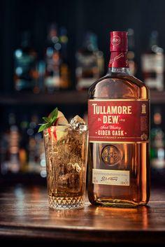 Tullamore D. Cider cask hero – Piotr Maksymowicz on Fstoppers – Commercial Whiskey Gift Set, Cigars And Whiskey, Scotch Whiskey, Irish Whiskey, Whiskey Bottle, Whiskey Room, Whisky Bar, Glenlivet Whisky, Club Colombia