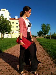 We're back to cold Spring and it's sometimes hard to know what to wear because you start the day chilling and then - with luck - it war....  (Read more about this look and see more pictures at http://raquelcorreiamacias.blogspot.pt/2013/06/windy-geek-day.html)