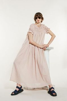 Karen Walker Spring 2020 Ready-to-Wear Fashion Show Collection: See the complete Karen Walker Spring 2020 Ready-to-Wear collection. Look 19 Kids Clothes Patterns, Clothing Patterns, Zara Kids, I Love Fashion, Fashion 2020, Fashion Trends, Karen Walker, Fashion Show Collection, Spring Outfits