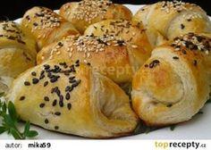 Listové rohlíčky s mletým masem recept - TopRecepty.cz Bagel, Bread, Food, Hampers, Lasagna, Brot, Essen, Baking, Meals