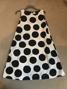 Black White Swing A-line Marimekko Uniqlo Dress Worn Once. lovely cotton fabric with useful scoop pocketsonly worn once and washed once - so very good conditionwill fit uk with Royal Mail Class. Uniqlo Dresses, Dresses Uk, Yellow Dress, Gray Dress, Japanese Couple, Size 12 Uk, A Line Shorts, Long Sleeve Midi Dress, Marimekko