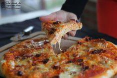 Pizza au bacon, à la tomate séchée et mozzarella, Recette Ptitchef Pizza Au Bacon, Pizza Buns, Pizza Tortilla, Pizza Mozzarella, Pizza Legume, Quiche Muffins, Hawaiian Pizza, Flan, Entrees
