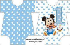 LARGE PRINTABLE SET- Mickey Baby Azul Poá – Kit Completo com molduras para convites, rótulos para guloseimas, lembrancinhas e imagens! | Fazendo a Nossa Festa Festa Mickey Baby, Mickey E Minie, Fiesta Mickey Mouse, Mickey Mouse 1st Birthday, Mickey Mouse Parties, Boy Birthday, Disney Cards, Disney Fun, Disney Clipart