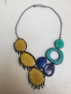 Collar de turquesa amarilla franja azul oscuro