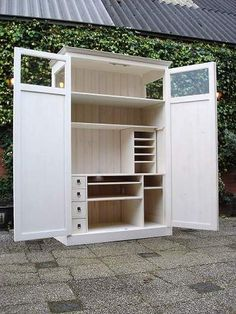 Of toch maar een kast? Compact Furniture, Space Saving Furniture, Home Office Space, Home Office Design, Office Cupboards, Hidden Desk, Computer Armoire, Small Craft Rooms, Craft Cabinet