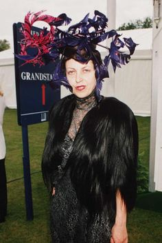Decadent Old Bitches: Queen Isabella Blow