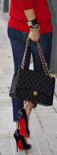 Fall / winter - street & chic style - red sweater + cropped jeans + black patent leather stilettos + black chain handbag